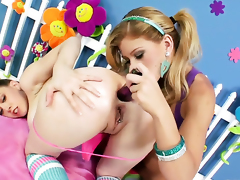 Brooklyn Lee gets stinking vulnerable with the addition of then tongue fucked by her lesbian darling Kagney Lynn Karter