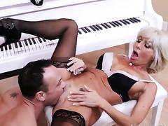 Kurt Lockwood seduces Latina Tara Holiday with round bottom and bald pussy into fucking