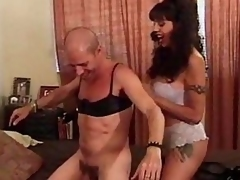 Crossdressing coxcomb fucked with strapon